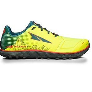 Altra men's Superior 4 trail running sneakers NWT!